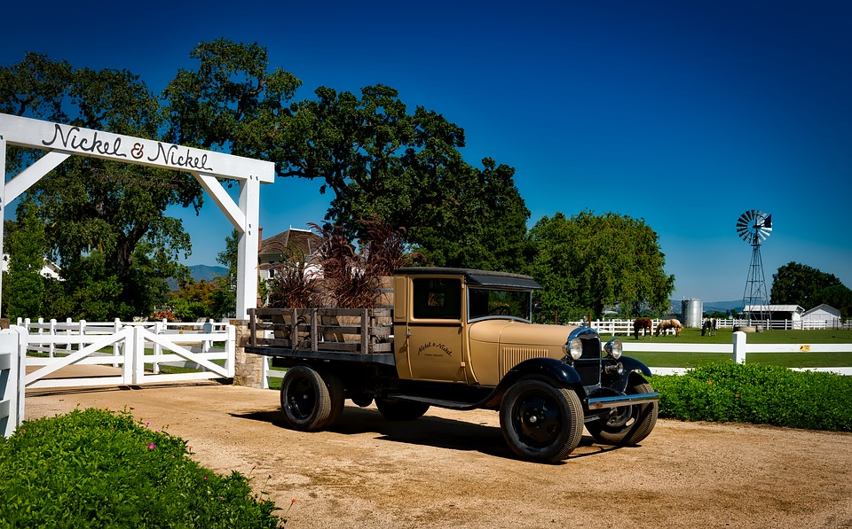 Vintage Farm Pickup