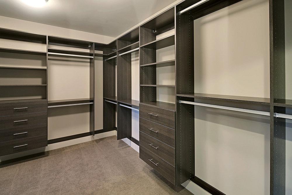 SRE-master-closet.jpg