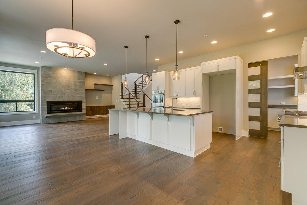 Kitchen.5.resize.jpg
