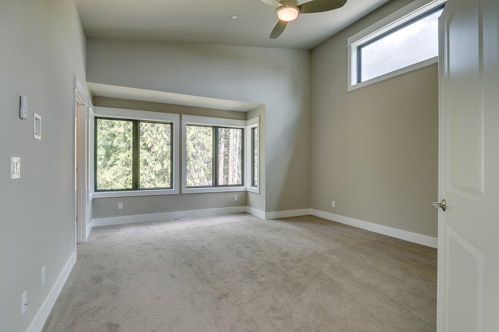 Master-Bedroom.3.resize.jpg