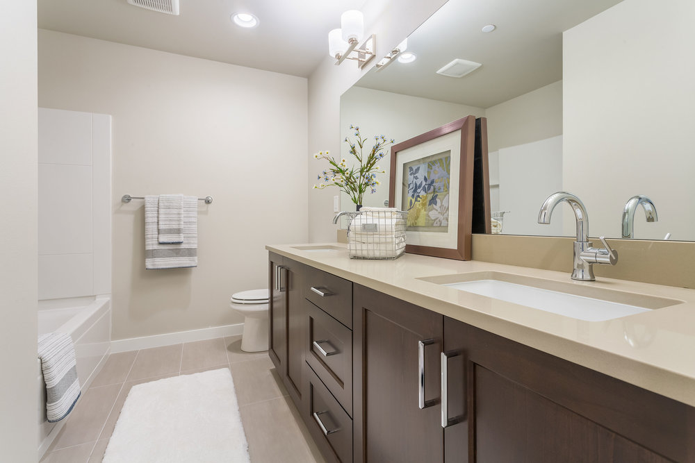 Hall-Bath-24.jpg