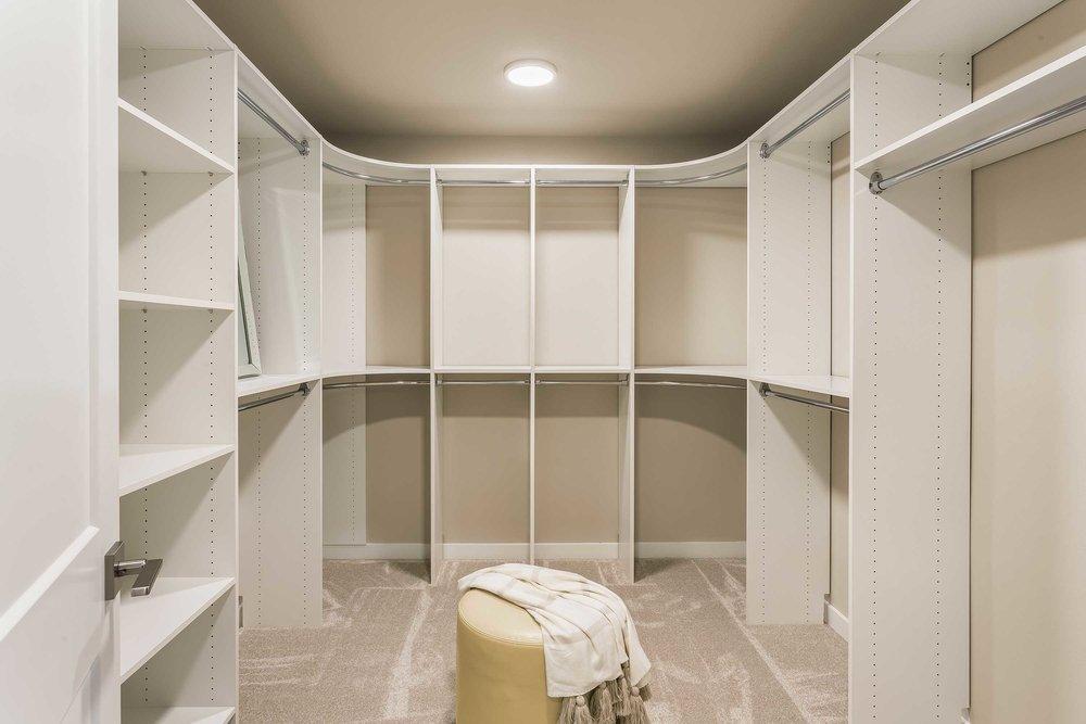 Master-closet-16.jpg