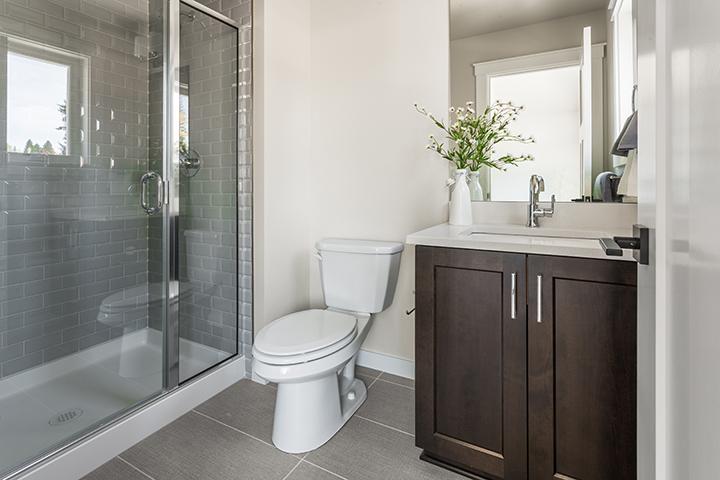Suite-bath-18.jpg