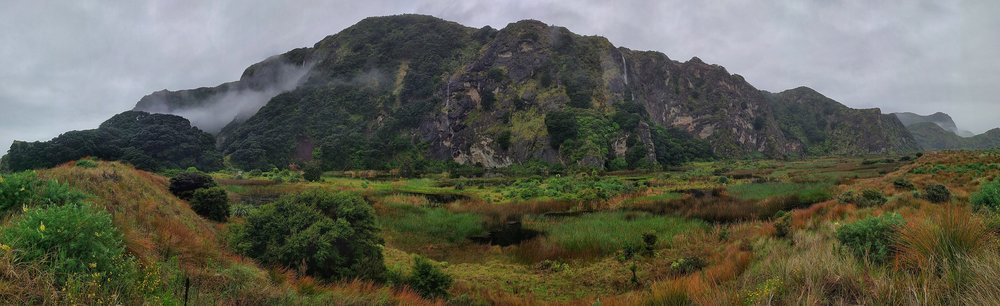 20171023_New_Zealand_Karekare_pararaha_hike_beach_valley_pano_2.jpeg