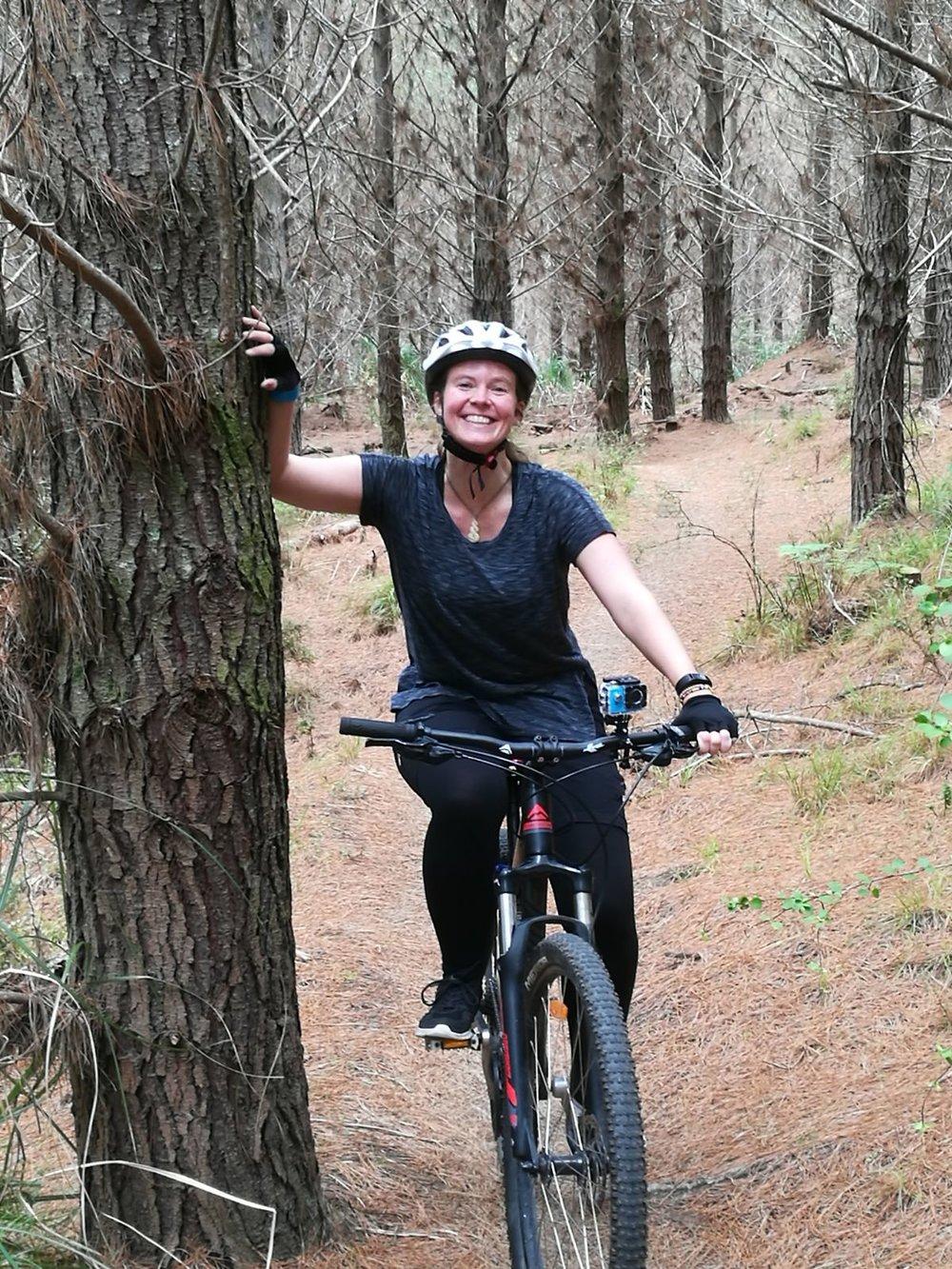 20171021_new_zealand_woodhill_alex_bike_riding.jpg