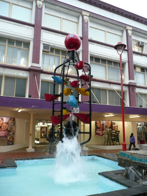 new_zealand_wellington_cuba_street_fountain.JPG