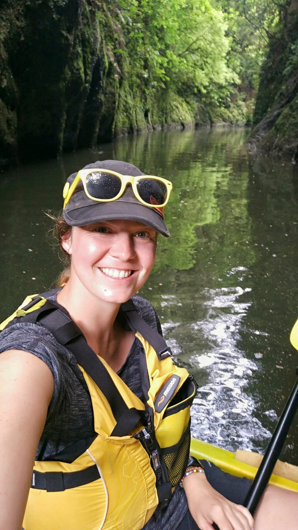 20171211__new_zealand_waikato_lake_karapiro_kayak_canyon_selfie_alex.jpeg