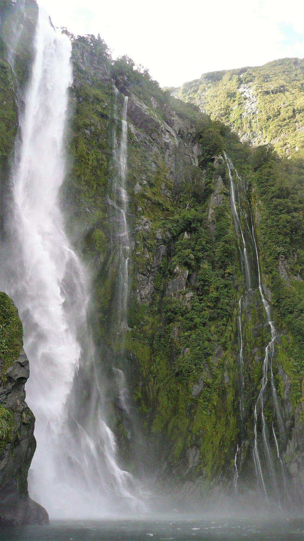 stunning waterfalls in milford sound