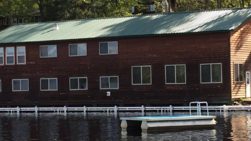 Lakeside Lodge -