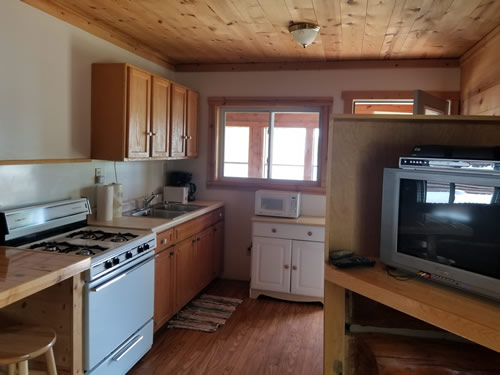 Cabin5kitchen.jpg