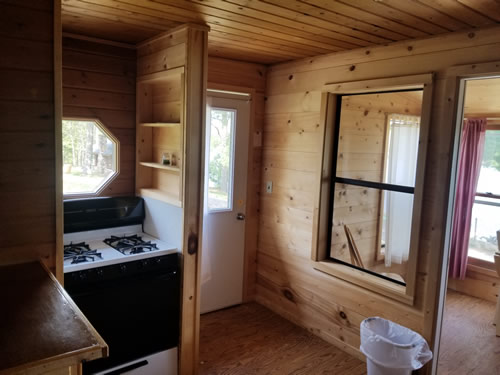 Cabin6kitchen.jpg