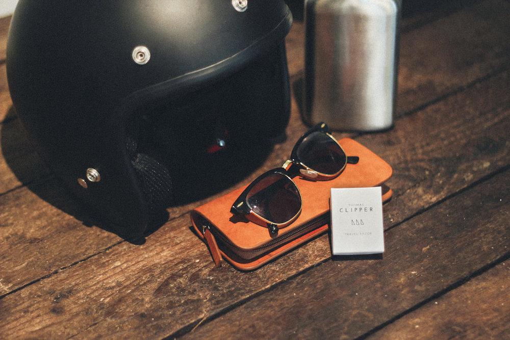 Luxury travel grooming kit by Thomas Clipper - double edge travel razor