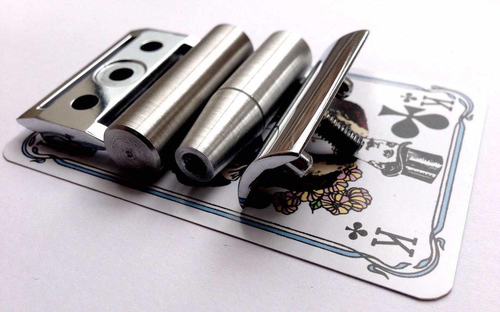 All metal matchbox travel razor by Thomas Clipper, matchbox size for portability
