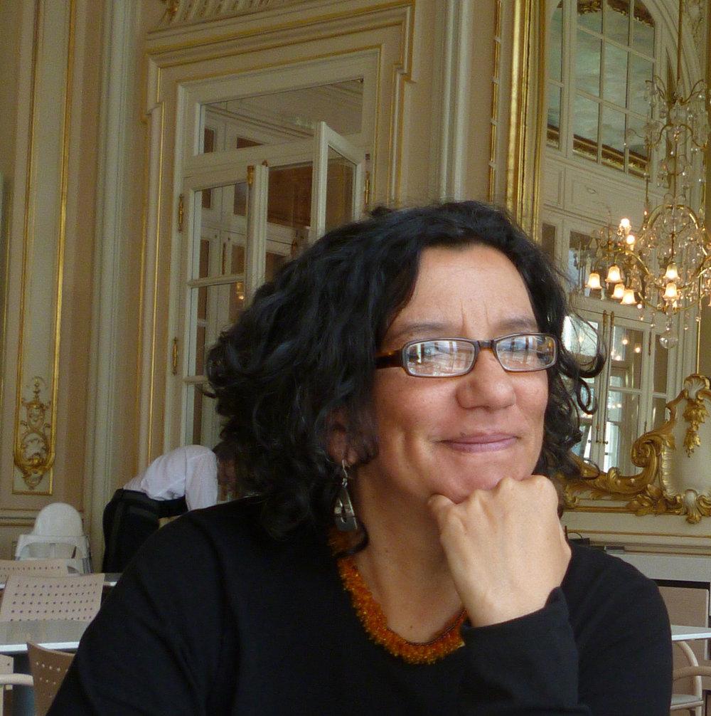 塞西莉亚·特拉斯拉维纳·冈萨雷斯 Cecilia Traslaviña González -