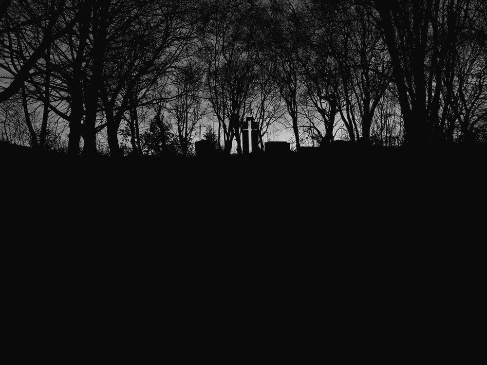 """A new site specific soundscape Reawaken with the Dead of Grosvenor Square   """"There was a real sense of a cyclical journey, as if joining the dead below on their passing to another realm""""                           Grace Atkinson,http://www.humanityhallows.co.uk/encountering-corpses-at-all-saints-park/  I was commissioned by Manchester Metropolitan University for Encountering Corpses 