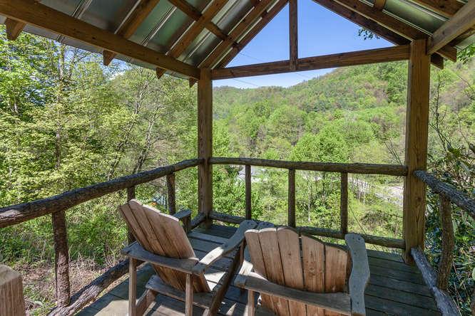 18769 NC209 Hot Springs NC-small-026-20-IMG 4098-666x444-72dpi.jpg