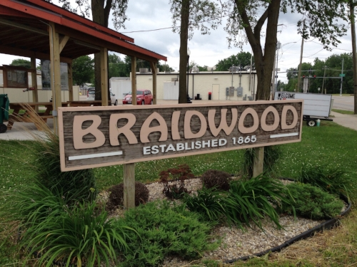 Braidwood, Illinois — home of Reed-Custer High School. Go Comets!