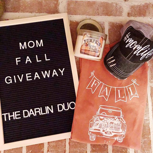 •IT'S GIVEAWAY TIME!• The Darlin Duo has put together a Fall Mom Giveaway just for you!! To be entered to win: 💗Follow The Darlin Duo, @rachel_bomar , @laurabuckland , and @tuckedandthreaded 💗Like this picture. 💗Tag 3 friends and comment your favorite thing about Fall!🍂 🌟Bonus entry: Subscribe to our email list on the blog(link in bio) **U.S. Residents Only** Winner will be announced Tuesday night!! Good Luck Ladies😘