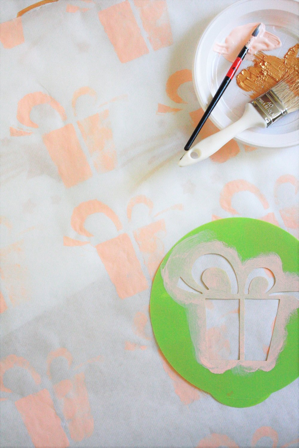 DIY XMAS WRAPPING PAPER | inesness