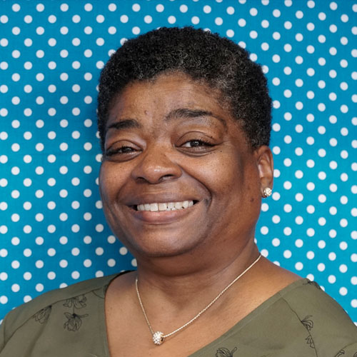 Sandra Ward   1st Grade Teacher   sward@holyangelschicago.org