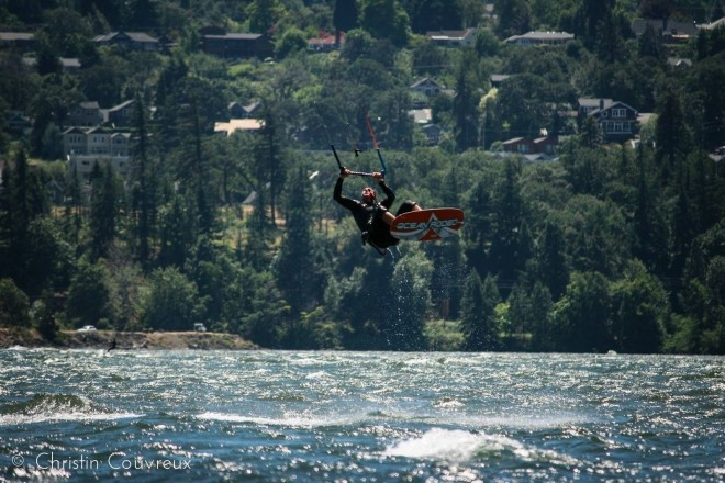 Sean kiteboarding in the Columbia Gorge Photo Christin Couvreux