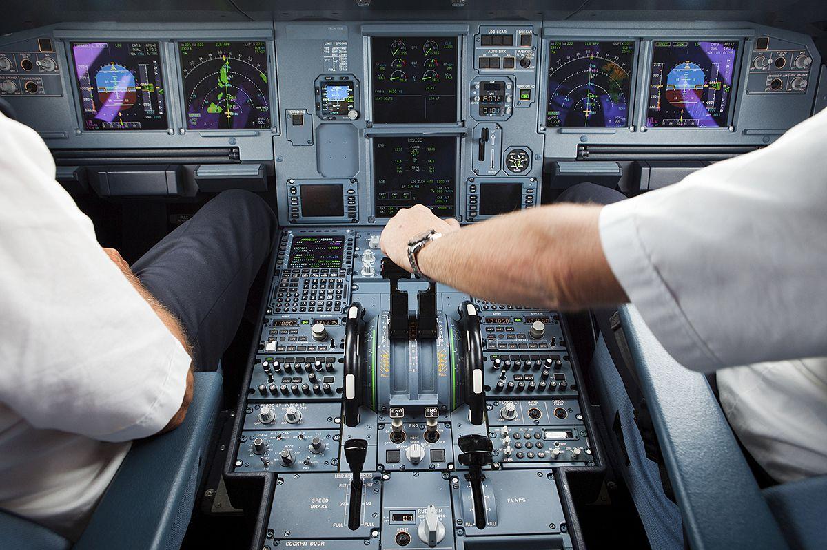 Commercial Pilot Licence Diamond Flight Centre London Inc