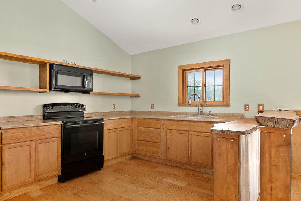 Bright & open kitchen…