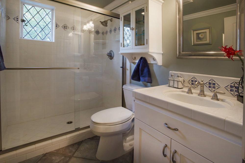 11th, Downstairs bath.jpg