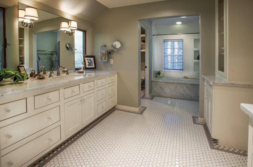 Cutter, Master Bath.jpg
