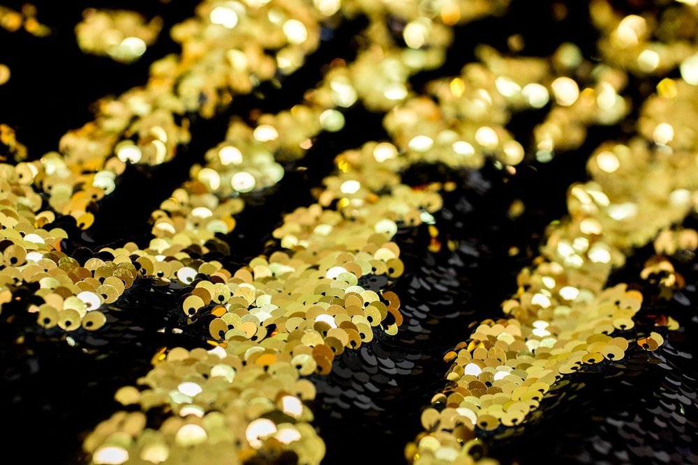 Black-and-Gold-Colored-Mermaid-Reversible-Sequin-Backdrop-006@2x.progressive.jpg
