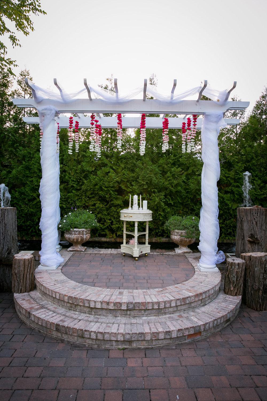 m2-floral-ceremony-1.jpg