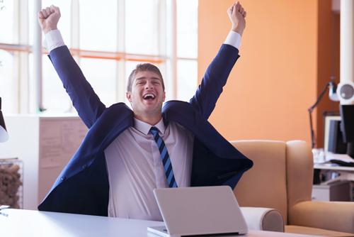 Líder GEFE Celebrando Gestión de la Felicidad Exitosa