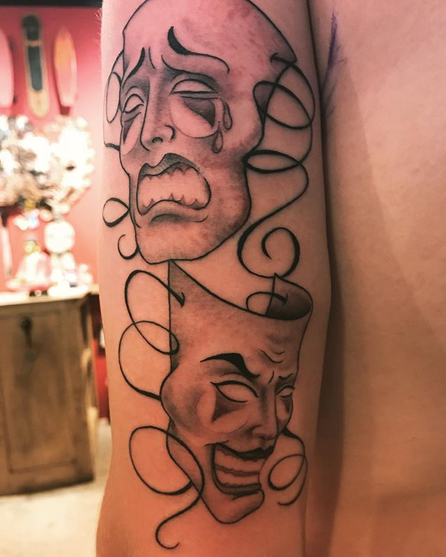 Vanae Rivera Golden Eagle Tattoo