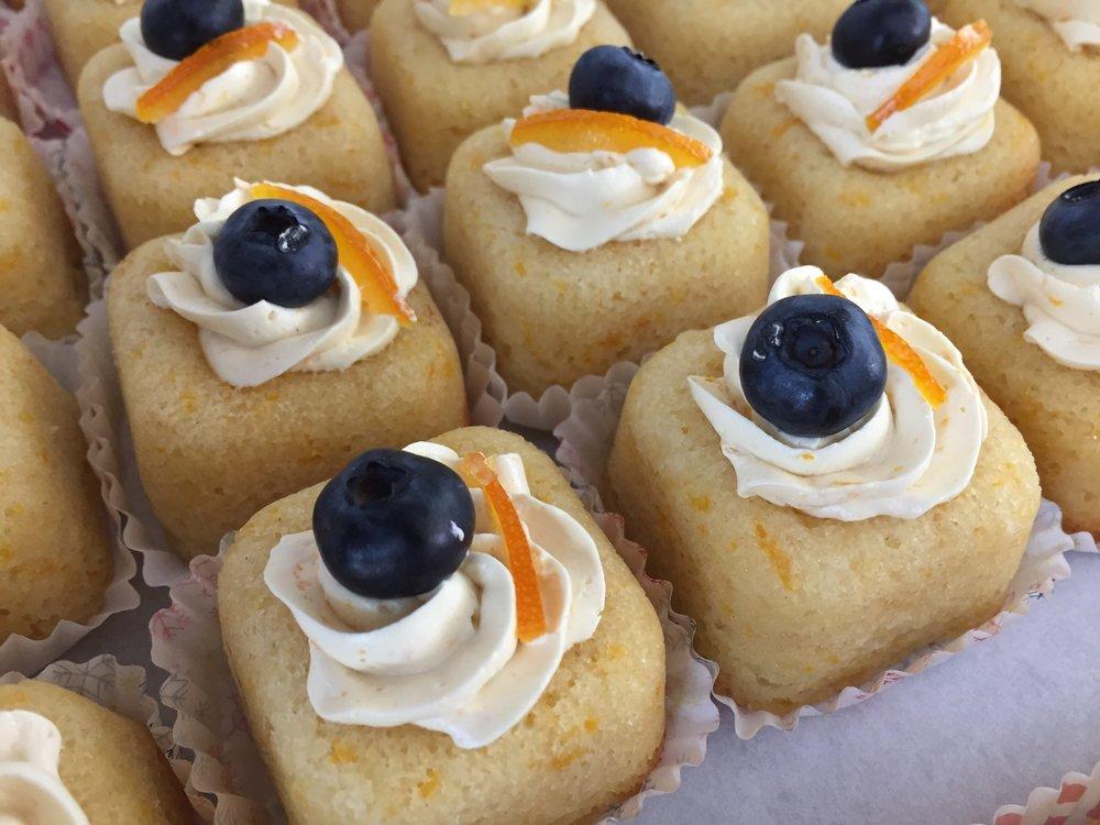 Petite citrus cakes