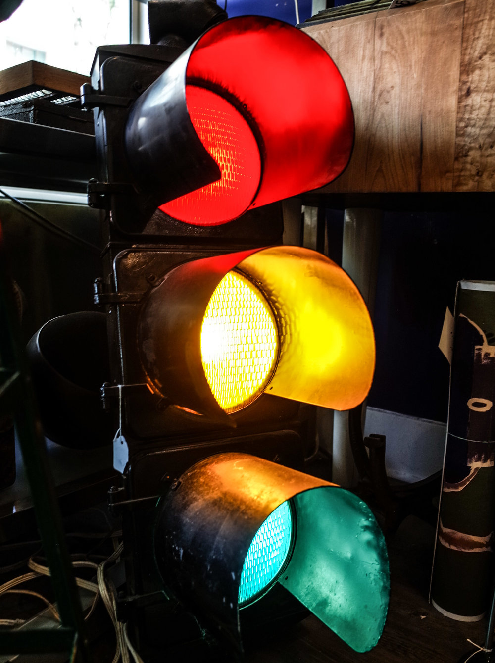 over-sized-traffic-light.jpg