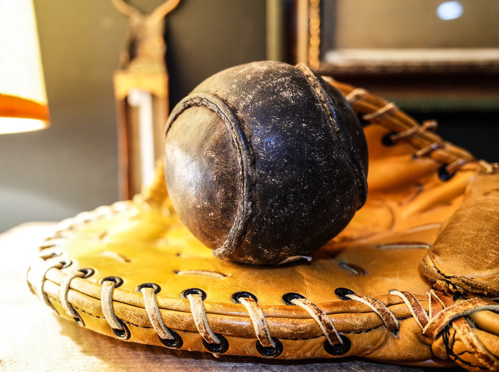 leather-baseball-glove.jpg