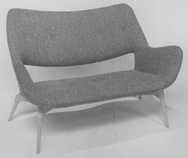 BS211 Contour television settee, 1952