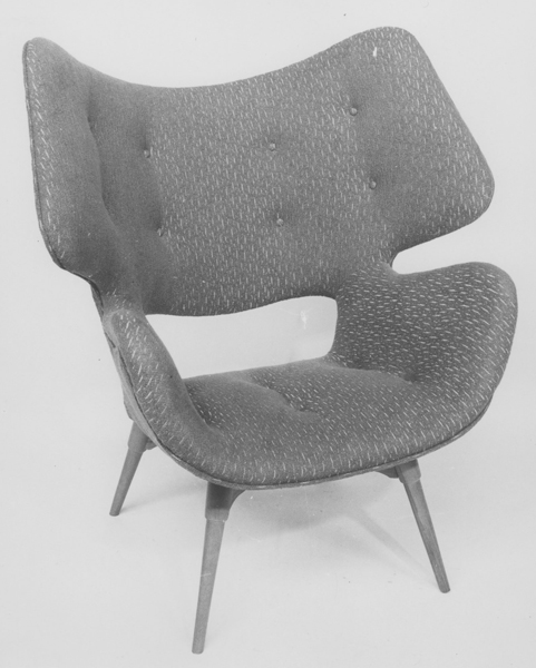 B220H 'Curl-up' Contour armchair, 1953