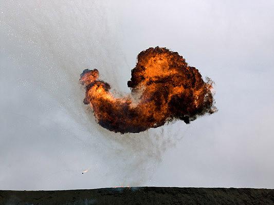 Geoffrey Habberfield Short: Untitled Explosion' (2CP), 2007/2009