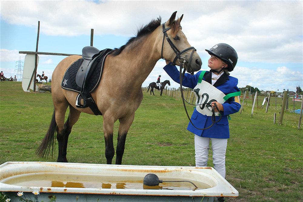 Te Atatu Pony Club, [small girl] Sunday 8 January 2006. (JBT555)