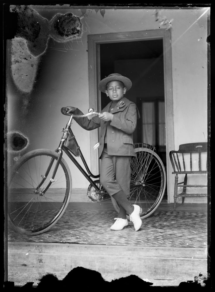 George Crummer , Boy and his Bicycle  c.1914 .  Collection of the Museum of New Zealand Te Papa Tongarewa