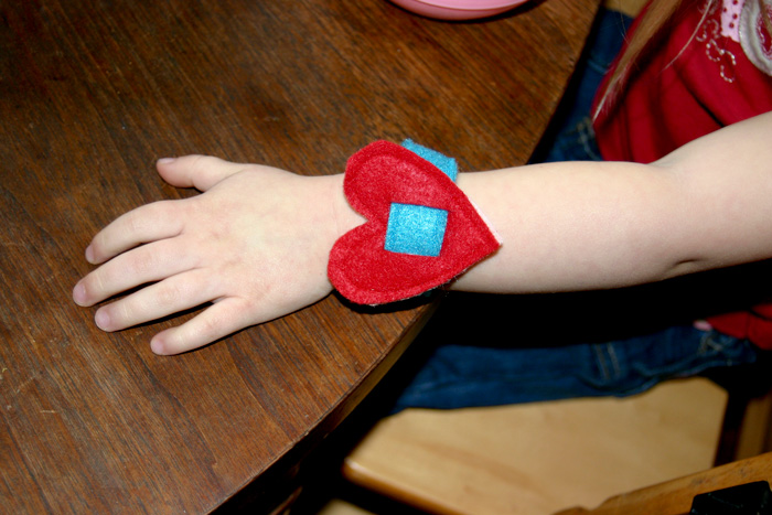 valentine-bracelets-04.jpg
