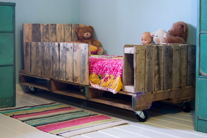 toddler-pallet-bed-01.jpg