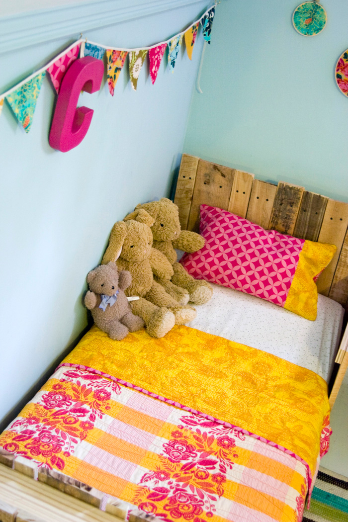 toddler-pallet-bed-take-2-03.jpg