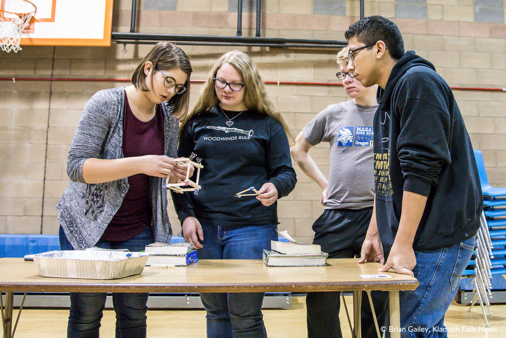 A STEMonstration showcases the power and opportunity of the STEM&M program at Mazama High School (Brian Gailey).