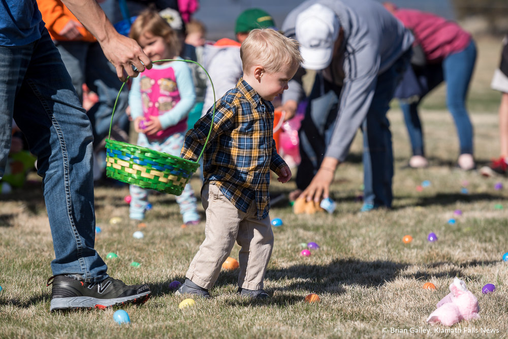 783 Kids and Family attend the annual Easter Egg Scramble at Oregon Tech. March 31, 2018 (Brian Gailey)