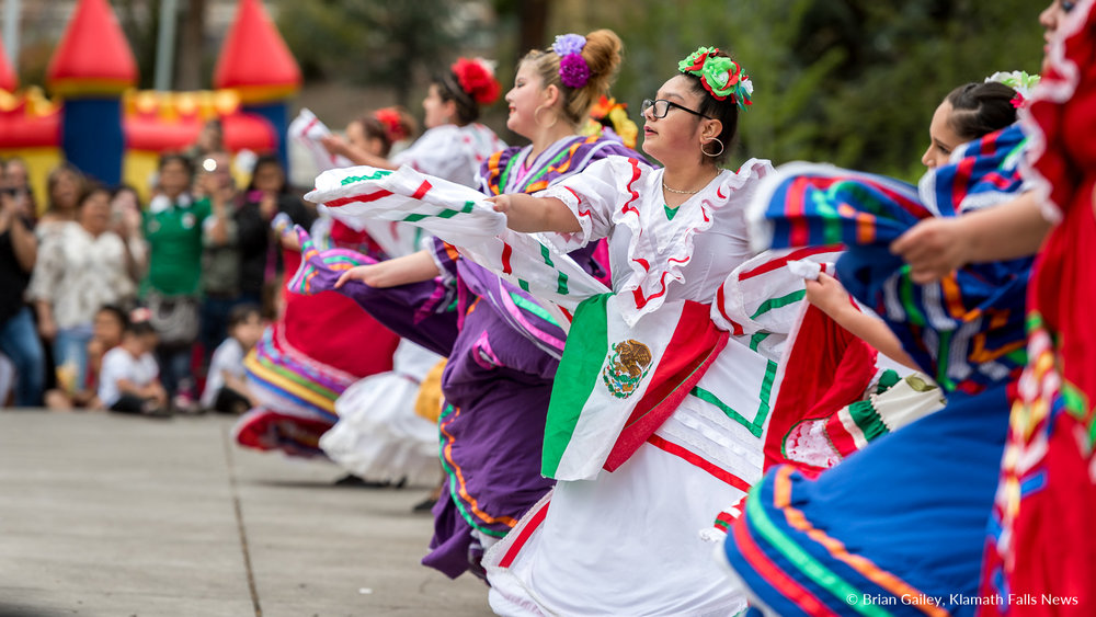 Latina Dancers perform at Veterans Park for Cinco de Mayo Festivities.  May 5, 2018. Image: Brian Gailey