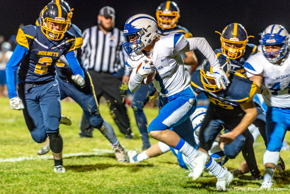 On October 19th Mazama secured a 5th Skyline Conference Championship in a row following a victory over Henley. Mazama's running game helped carry the Vikings into victory. Kaden Wood (#1) seen here carrying the ball was a pivotal player in the Viking Offense. October 19, 2018 (Brian Gailey)