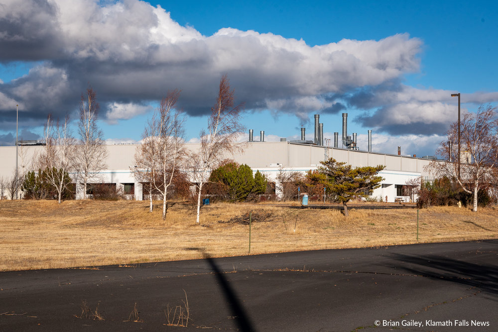 The Aqua Glass building has sat vacant for 6 years prior to today's announcement of American Garden Perlite purchasing the facility in Klamath Falls, Ore. October 29, 2018 (Brian Gailey)