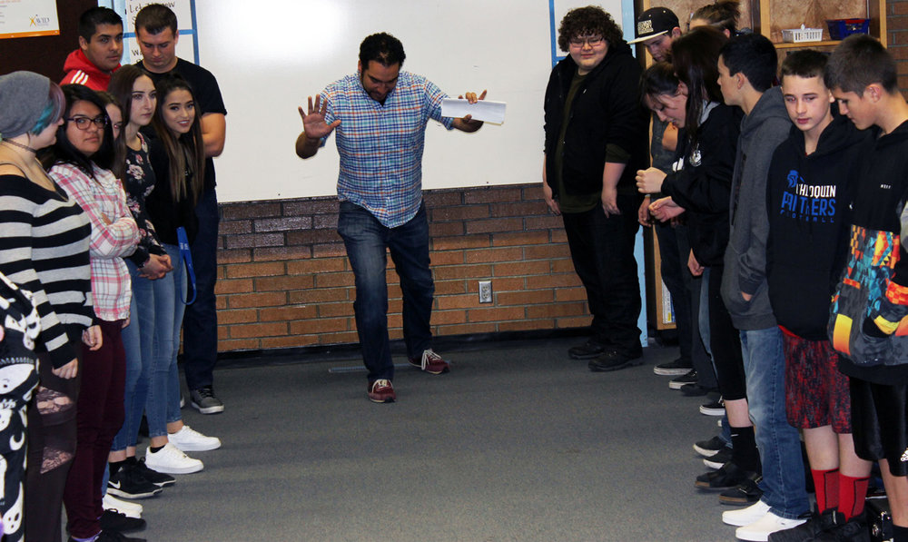 Chiloquin students work with OSF actor Armando McClain